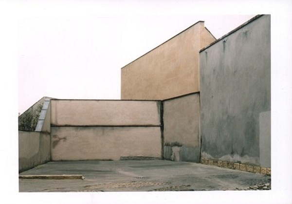 Hinterhof - Back Court yard 1997, C-Print, 86 x 116 cm